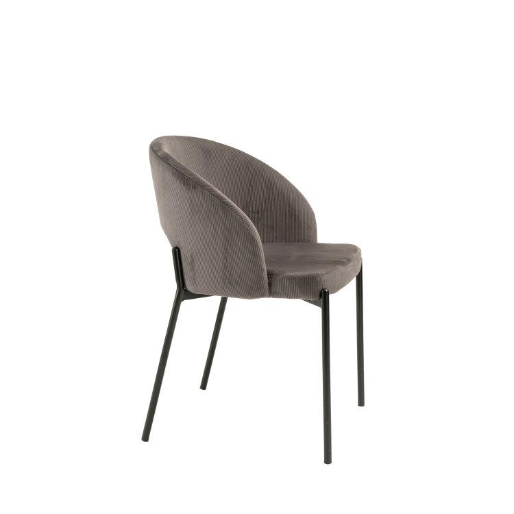 siva stolica s metlanim crnim nogama