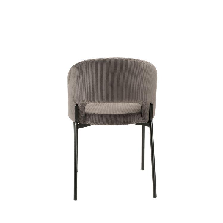 siva stolica s pozadine