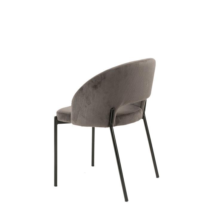 siva stolica za sjedenje