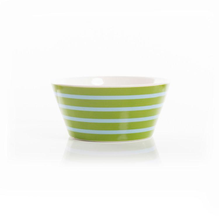 zdjelica Prugica zelena porculanska slikana na bijeloj pozadini