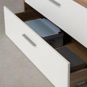 moderno dizajnirana komoda Modern Way jednostavnih linija s detaljem otvorene ladice