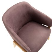 ljubičasta stolica adele slikana s gornje strane
