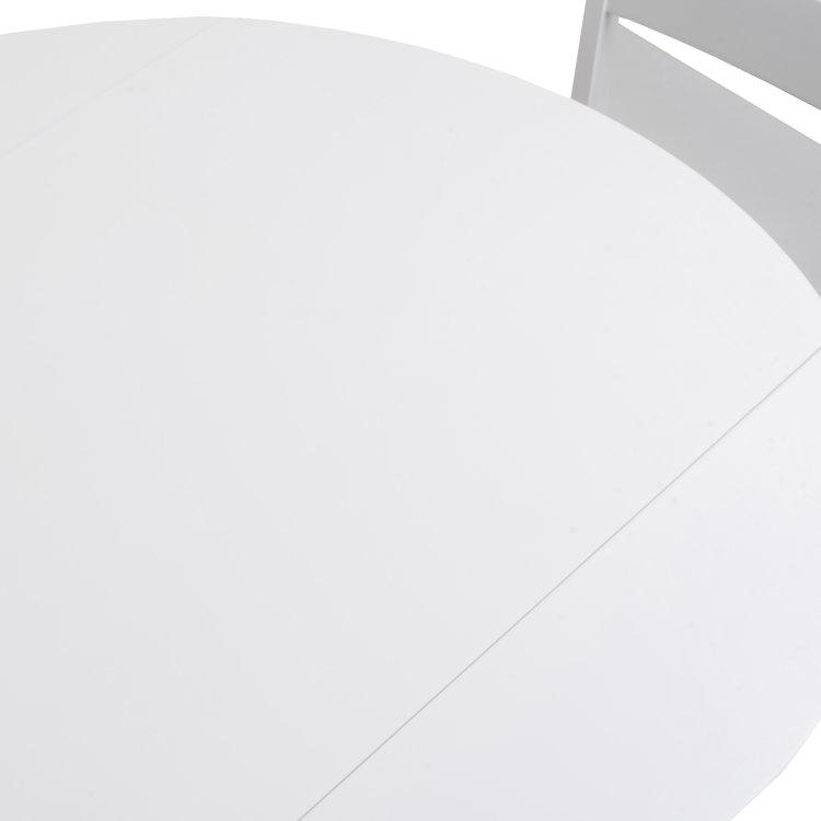 set stol i stolice bijele slikan detalj plohe stola